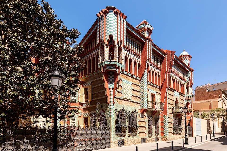 asaVicens_Airbnb_Espana_Gaudi_alt