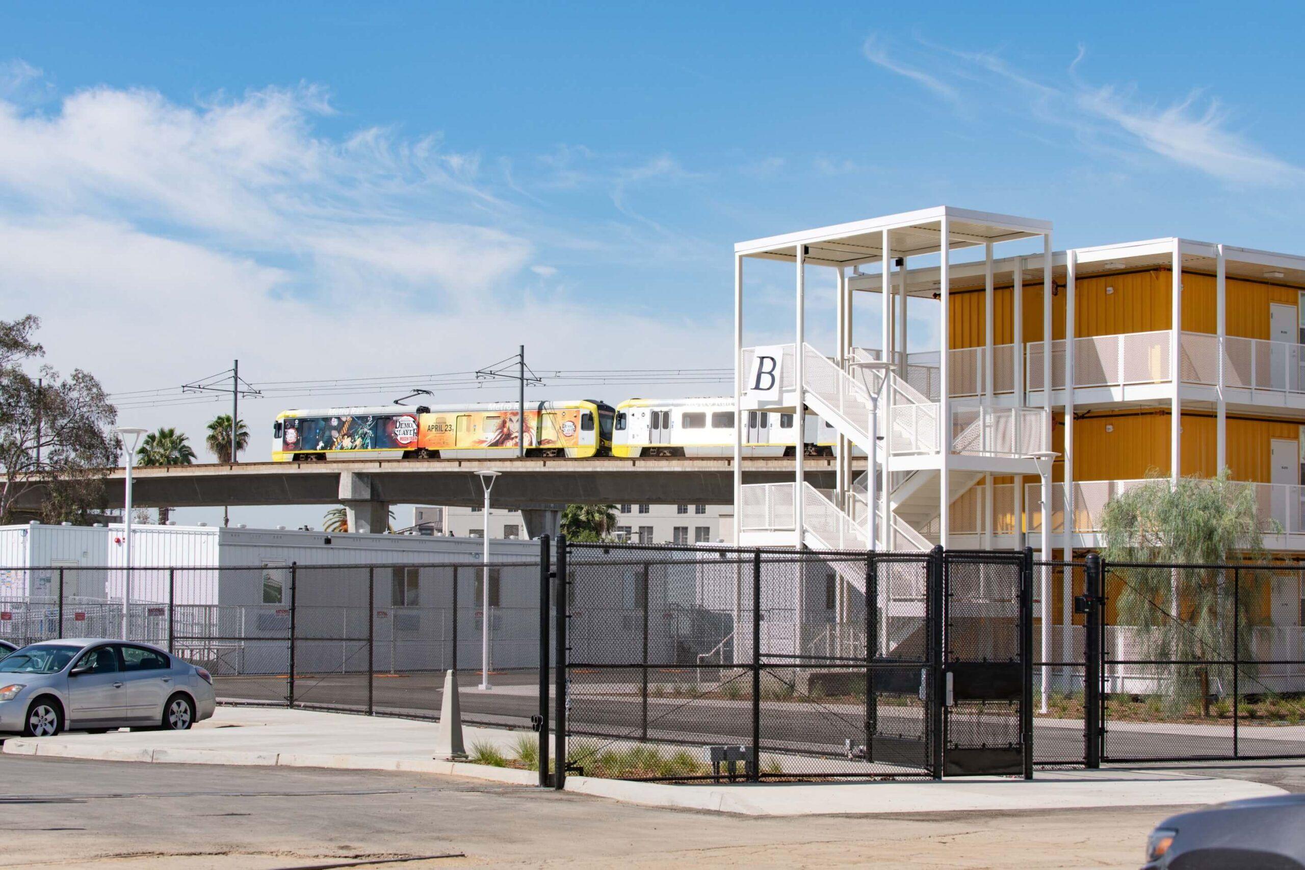 hscfv-nuevo-proyecto-de-viviendas-para-personas-sin-hogar-en-los-angeles-1-alt