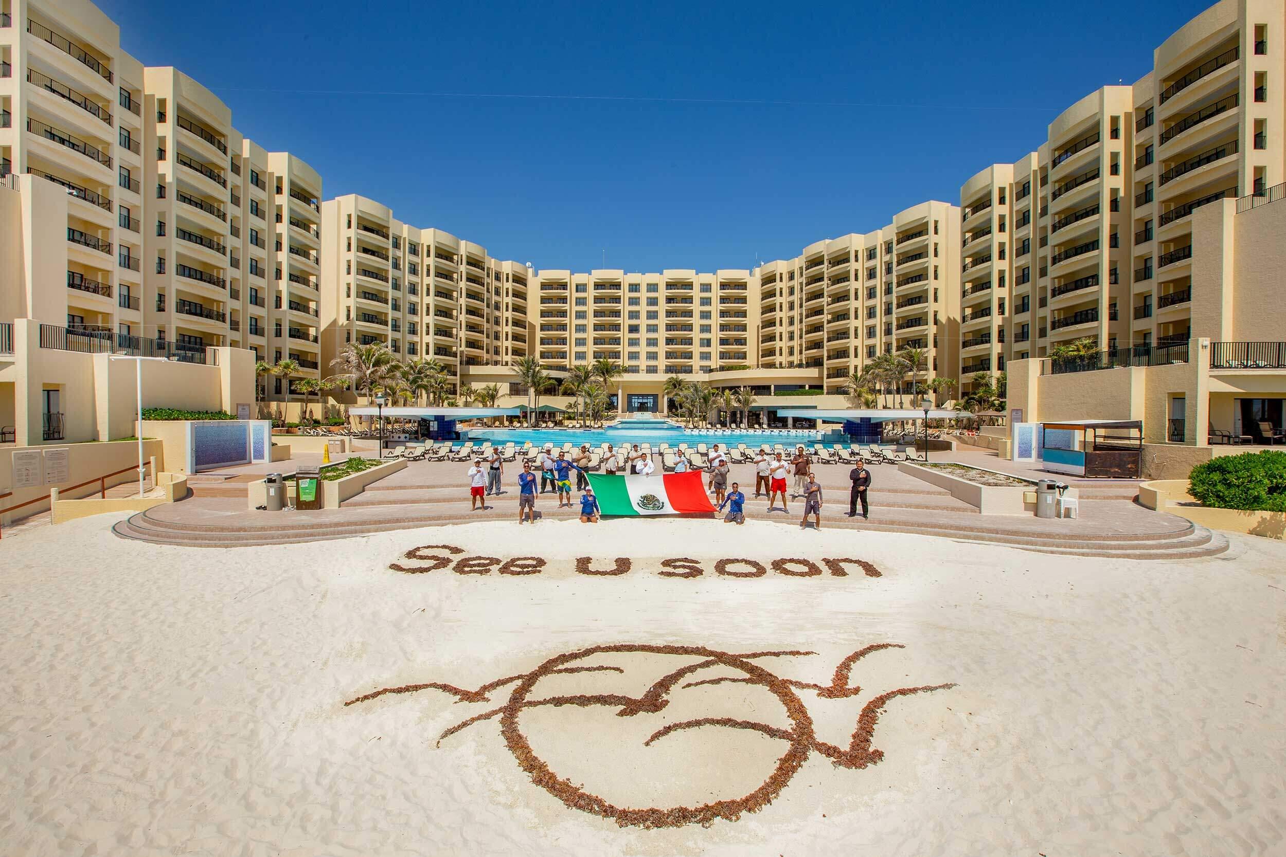Royal_Resorts_Cancún_alt